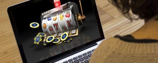 Pros And Cons of Playing Online Slots in the UK